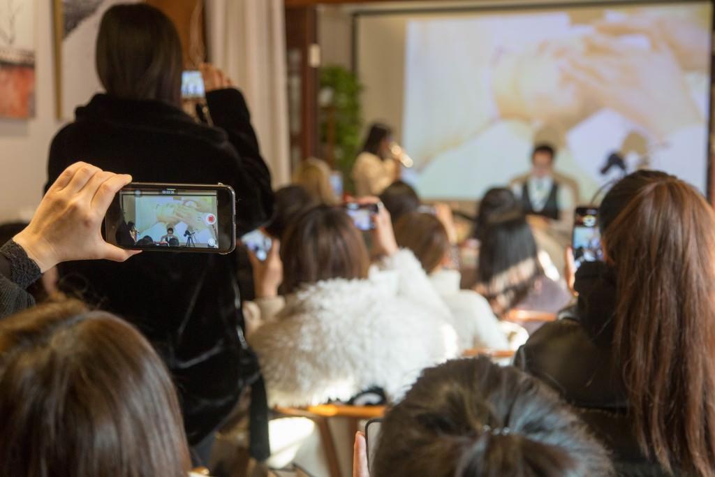 美容鍼灸 北京デモンストレーション7